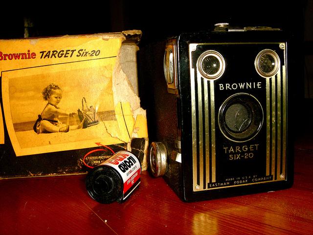 kodak brownie target six-20 vintage camera